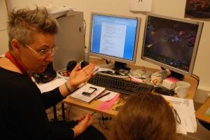 Ann-Sofie och Michael diskuterar...